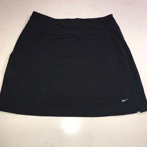 Nike Size Medium Golf Skort